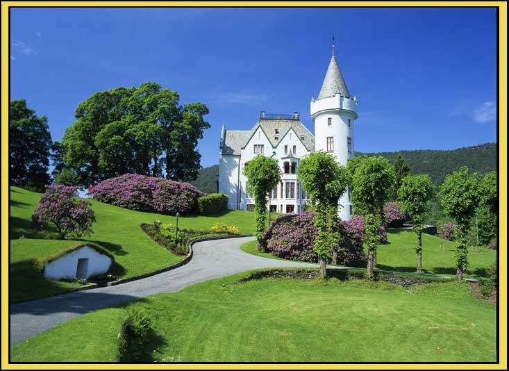 Gamlehaugen, Bergen. Statsminister Christian Michelsen tok den i bruk 1901. De kongelige bor her under besøk i Bergen